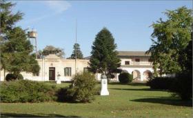 Escuela María Cruz y Manuel L. Inchausti - Universidad Nacional de la Plata